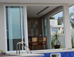 Alutech Soluções em Alumínio e Vidro - Residencia Unifamiliar